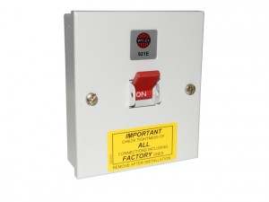 Wylex 921E Metal Surface Mounting Three Phase TPN Isolator Switch With Switched Neutral 32A 415V